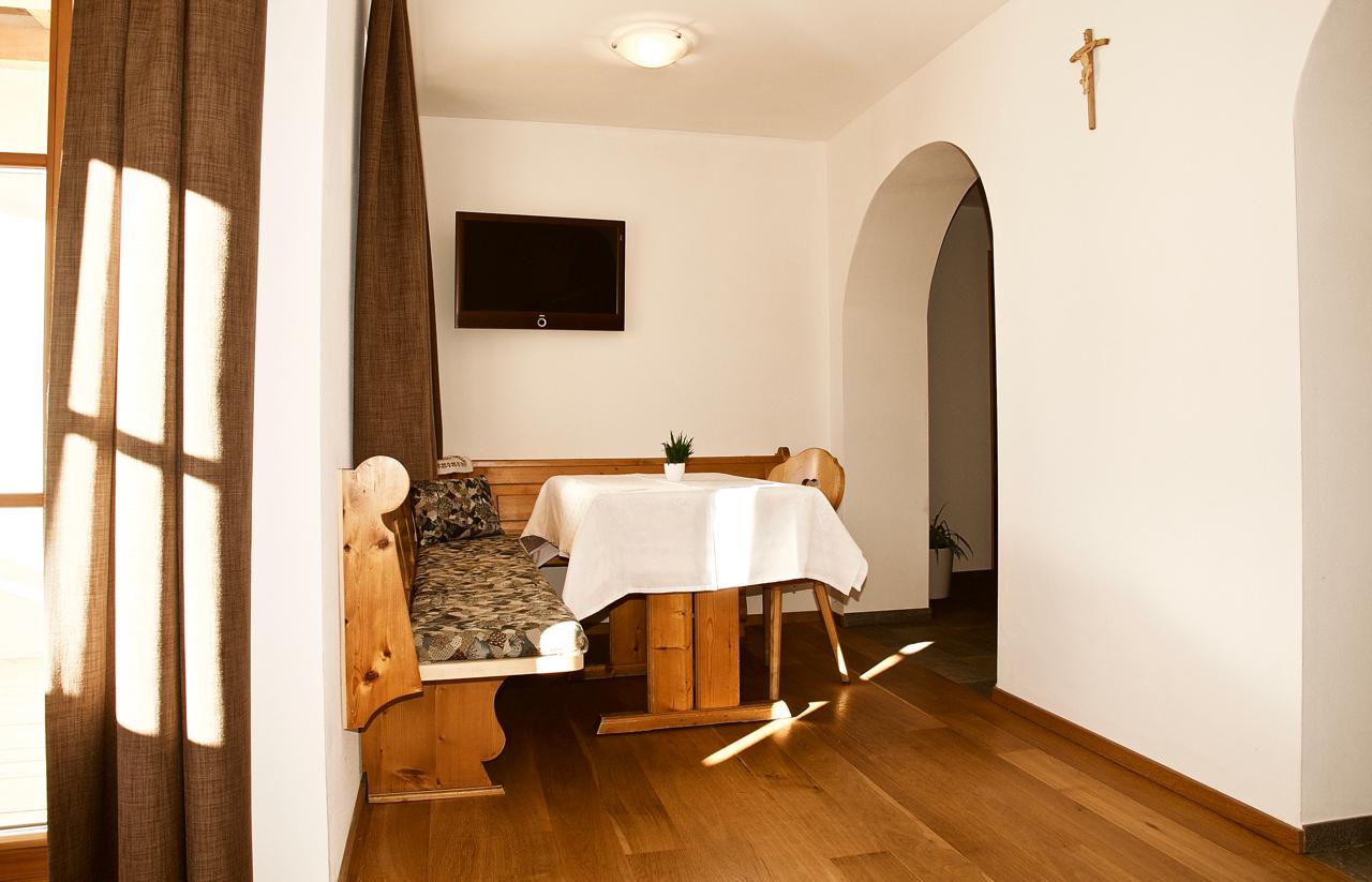 ferienwohnung groamat auf dem bauernhof in villn ss putzerhof. Black Bedroom Furniture Sets. Home Design Ideas